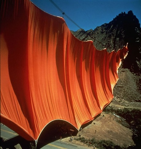 Christo valley curtain