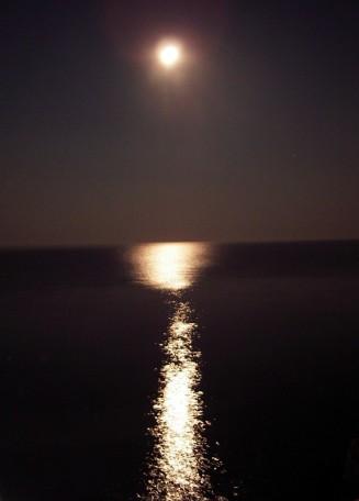 luna-piena-mare-notturno.jpg